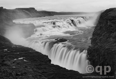 GULLFOSS AND STEAM BLACK AND WHITE