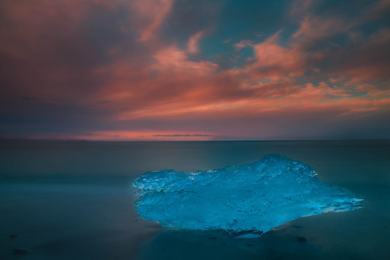 Jokulsarlon-Glacier-Lagoon-sunrise