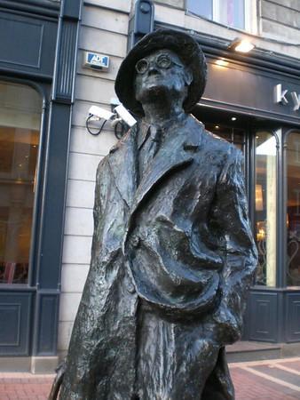 dublin street statue