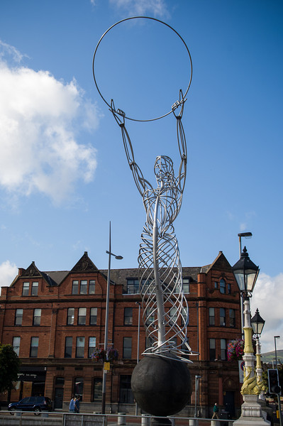 Celtic Woman of Peace Schulpture, Belfast