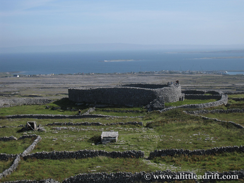 how to get to ring fort aran islands