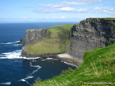 Hiking path to the Cliffs of Moher