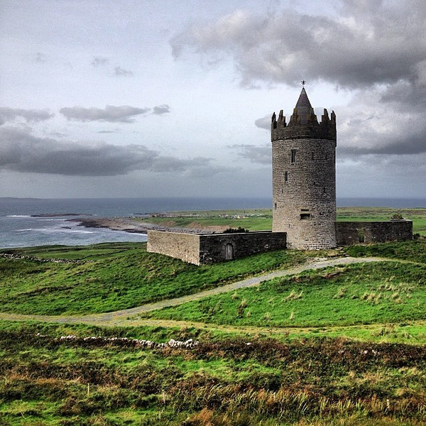 I'm a sucker for castles and coastline. Doonagore Castle and Doolin Point. This is County Clare, the purported home of traditional Irish music. #dna2ireland