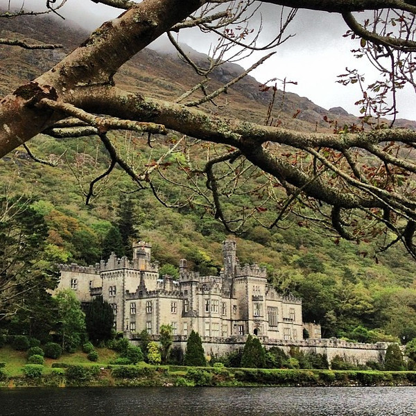Ireland, autumn, tucked away abbeys. Our road trip stumbles us onto Kylemore Benedictine Abbey, Connemara, County Galway. #dna2ireland