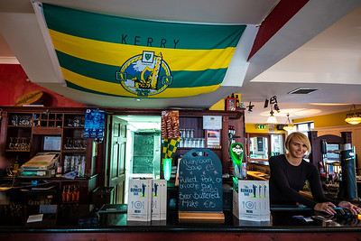 barmaid Bunker Bar Ballybunion County Kerry