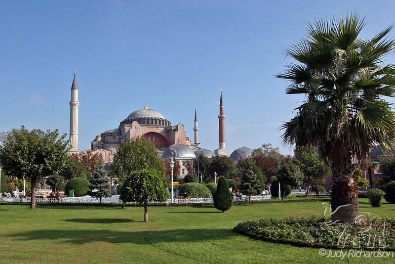 Hagia Sophia in the old town of Istanbul, Turkey ~ a truly beautiful site!