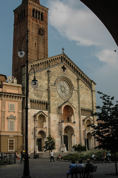 Piacenza Cathedral (12C)