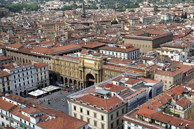 Piazza della Repubblica and Palazzo Strozzi