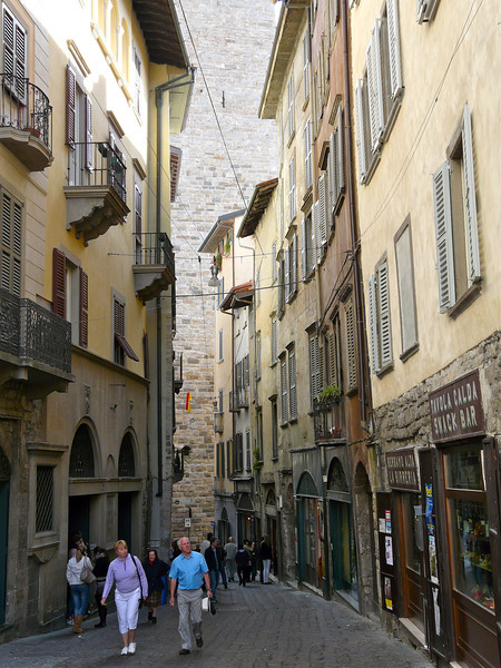 Walk the narrow streets of the historic Citta Alta in Bergamo, Italy. Our tips will get you there.