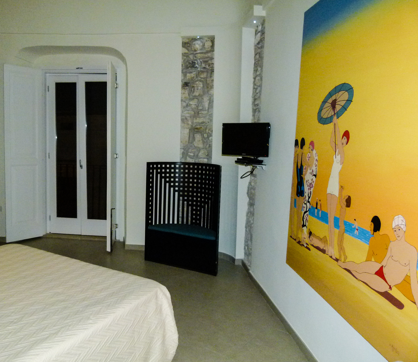 Boomer travel - Italy - Hotel Edifico 15 House Elite in Rodi Garganico is one of our favorite places to stay in Italy. Read about the rest then plan your boomer trip to Italy.