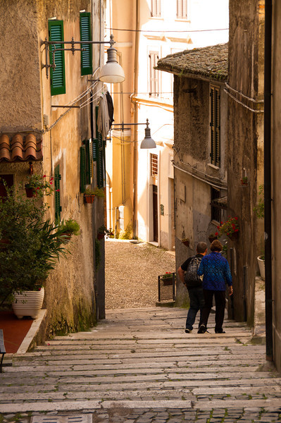 On a Subiaco walking tour, discover culture, history and delicious food. It's the perfect addition to a boomer vacation in Italy. #Subiaco #Italy #vacation