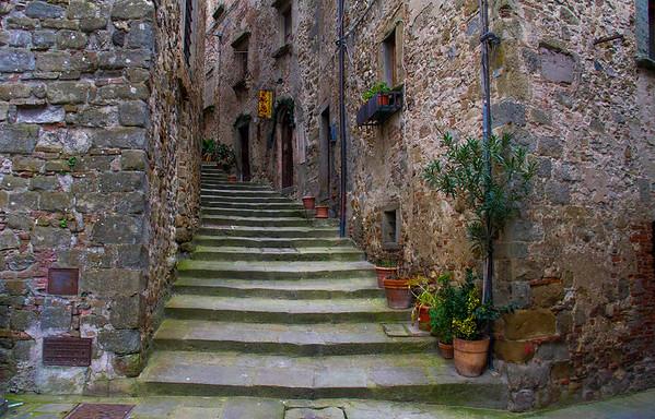 Italy in Anghiari, San Leo and San Marino