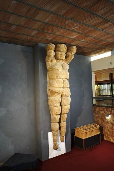 Colossus statue, temple of Zeus