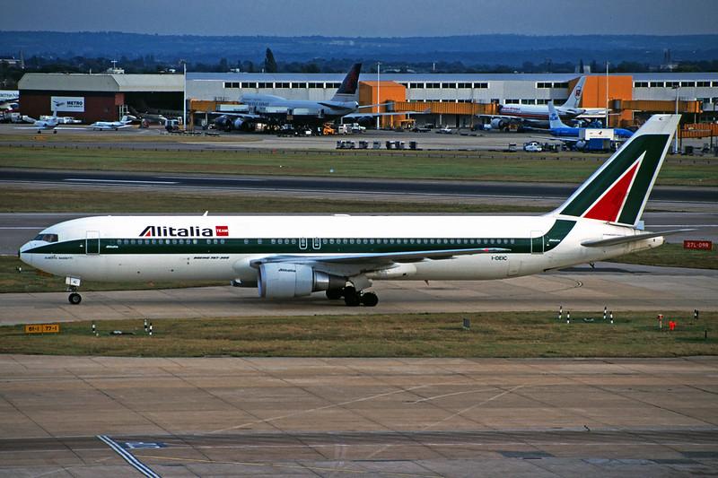 I-DEIC Boeing 767-33AER c/n 27377 Heathrow/EGLL/LHR 15-09-97 (35mm slide)