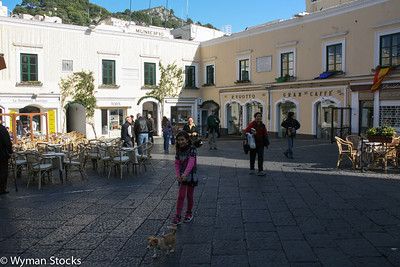 Main square in Capri.  Take the archway on the left to walk to the Arco Naturale.