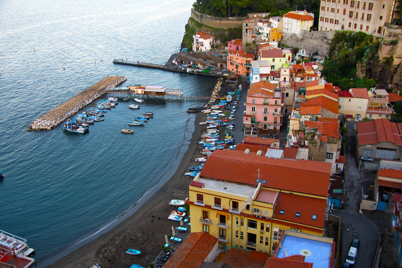 Italy, Amalfi Coast, View on Sorrento Beach