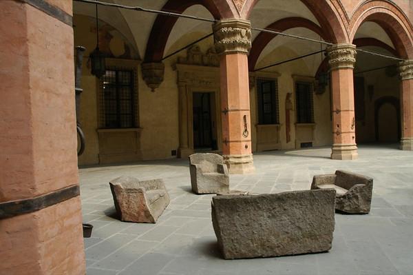 Stonehenge Living Room - Bologna, Italy