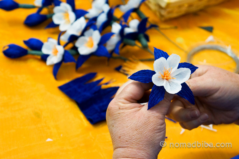 Paper flowers for the Festa de Santa Croce in Carzano, Brescia (Italy)