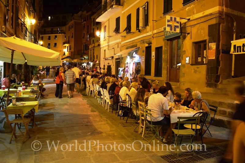 Vernazza: Charity Dinner for 2011 Flood