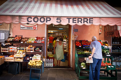 Life scene at the Minimarket Coop of Riomaggiore. What a touching capture there! One can feel how peaceful and pleasant the life is there.