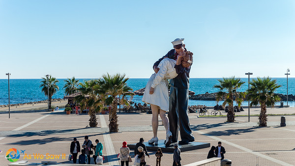 Unconditional Surrender statue on Civitavecchia waterfront