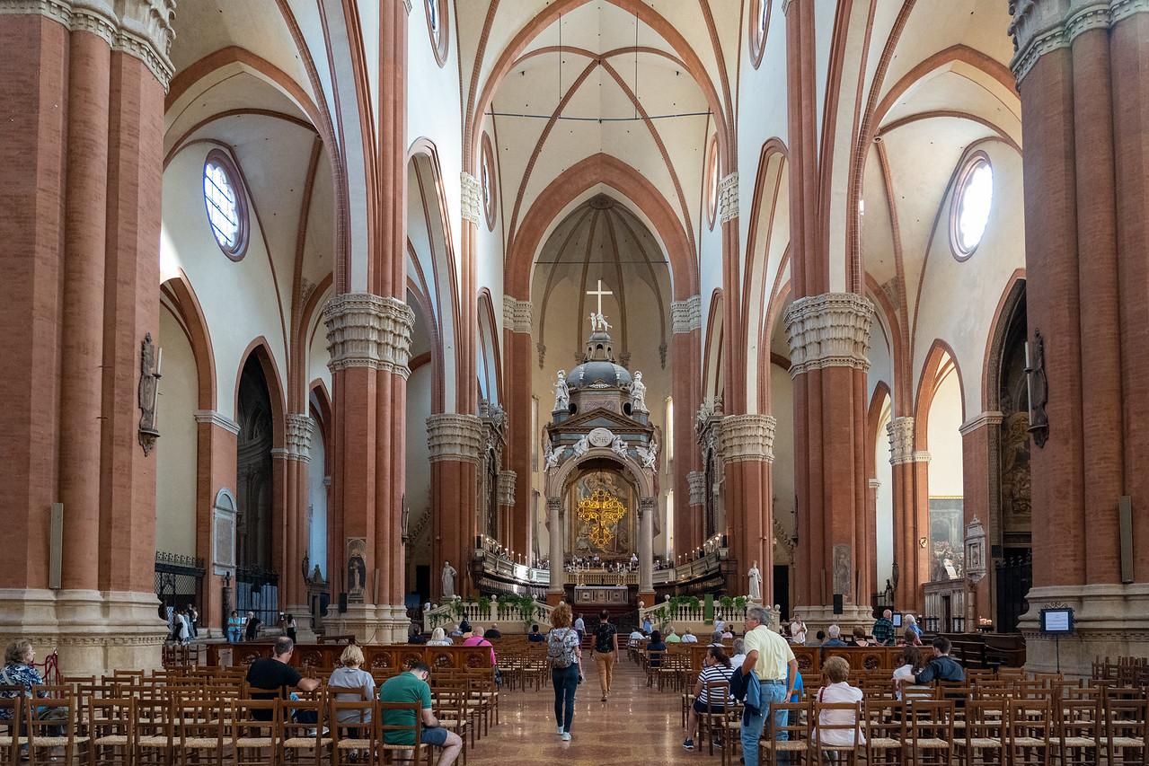 Inside Basilica di San Petronio
