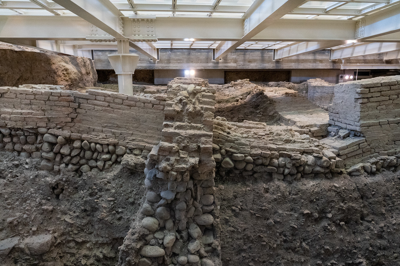 Roman ruins at Salaborsa Library