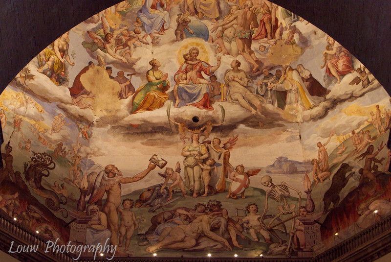 "Dome artwork of <a target=""NEWWIN"" href=""http://en.wikipedia.org/wiki/Basilica_di_Santa_Maria_del_Fiore"">Duomo</a>, Firenze"