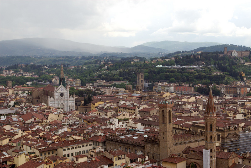 "View of Firenze from <a target=""NEWWIN"" href=""http://en.wikipedia.org/wiki/Campanile_di_Giotto"">Giotto's Bell Tower</a>"