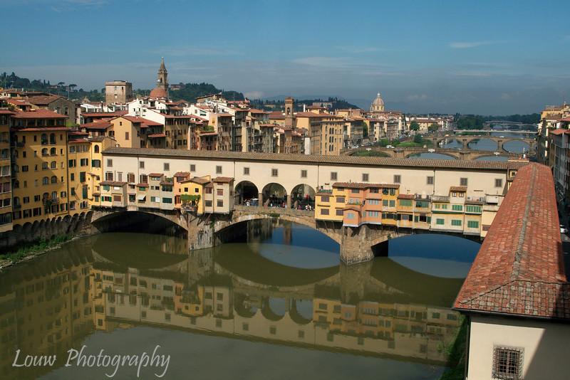 "<a target=""NEWWIN"" href=""http://en.wikipedia.org/wiki/Ponte_Vecchio"">Ponte Vecchio</a>, Firenze"
