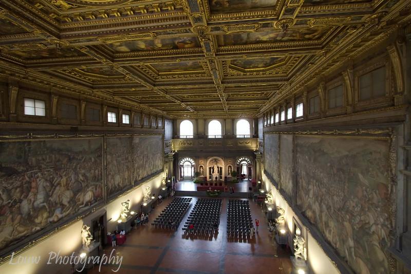 """Sala del 500 in the <a target=""""NEWWIN"""" href=""""http://en.wikipedia.org/wiki/Palazzo_Vecchio"""">Palazzo Vecchio</a>, Firenze"""