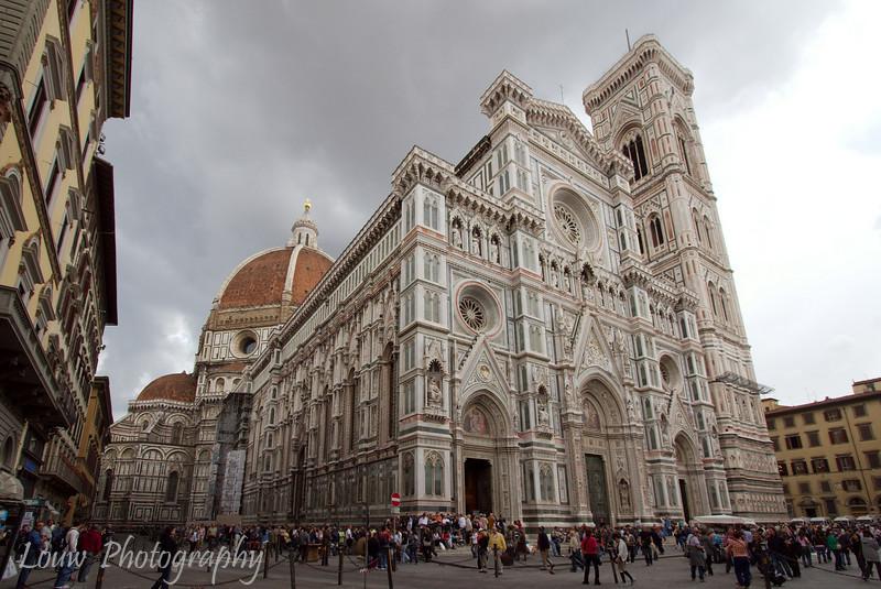 "<a target=""NEWWIN"" href=""http://en.wikipedia.org/wiki/Basilica_di_Santa_Maria_del_Fiore"">Duomo (Basilica di Santa Maria del Fiore)</a>, Firenzee"
