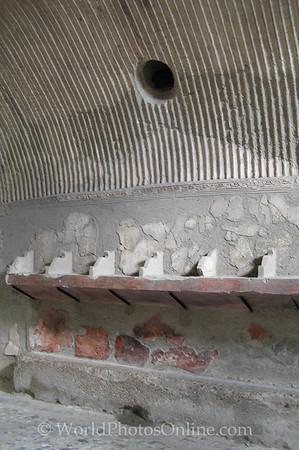 Naples - Herculaneum - Changing room in Men's Bath S