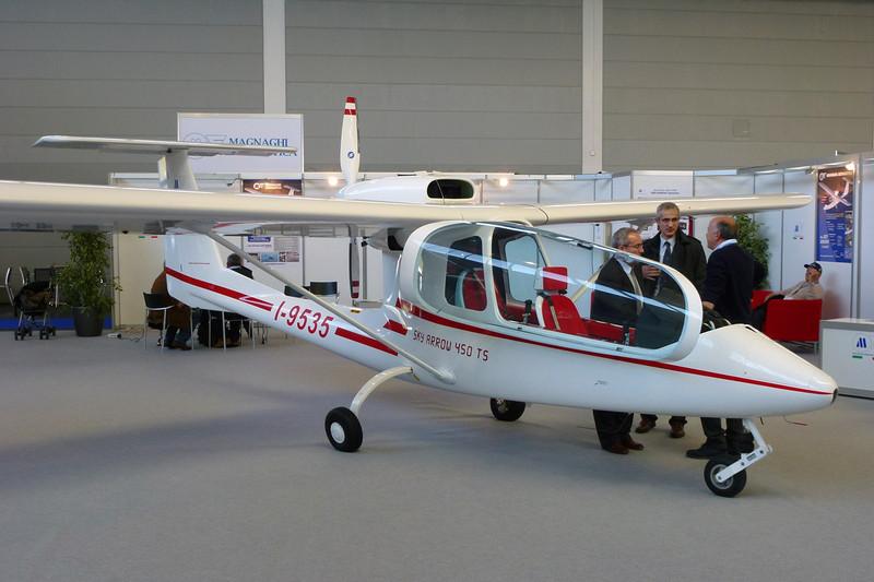 I-9535 I.I.I.Sky Arrow 450TS c/n 122S/P99-20U Friedrichshafen/EDNY/FDH 19-04-12
