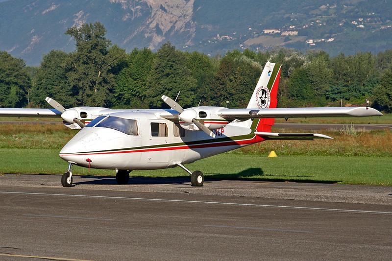 I-ANCP Partenavia P.68B Victor c/n 17 Grenoble-Le Versoud/LFLG 01-09-06