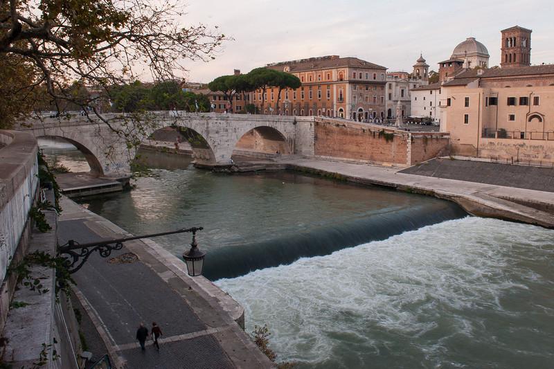 Falls on Tiber River