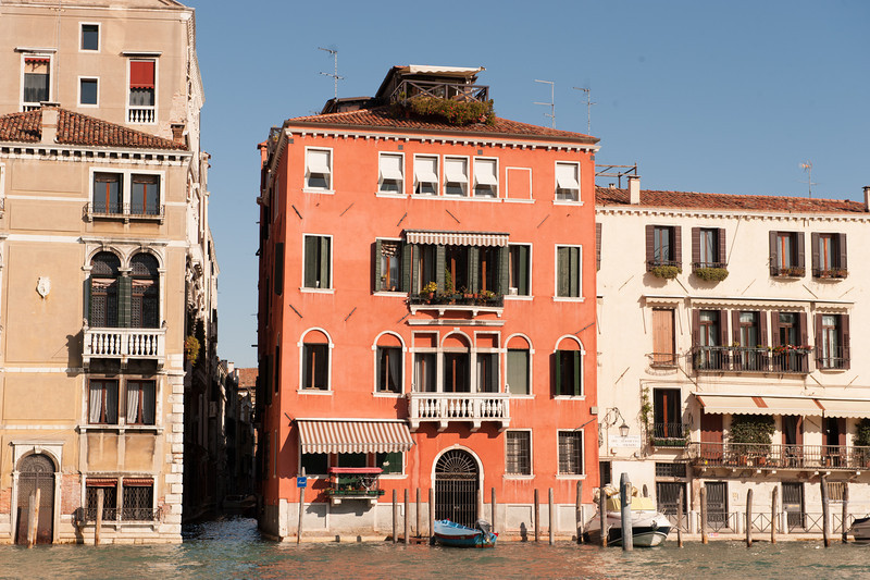 Homes on the Grand Canal