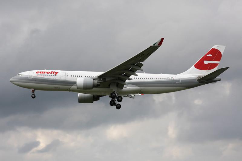 "I-EEZM Airbus A330-223 ""Meridiana Fly"" c/n 822 Heathrow/EGLL/LHR 08-07-12"