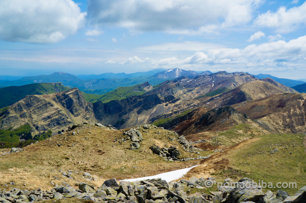 The view from the summit of Monte Marmagna in the Apennines (Italy)