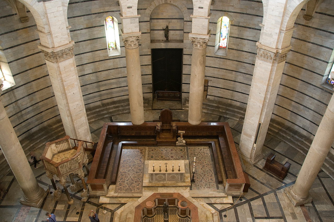 Looking down the altar of Cathedral of Pisa in Italy