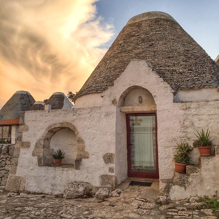 Trullo in Puglia's Itria Valley - Italy