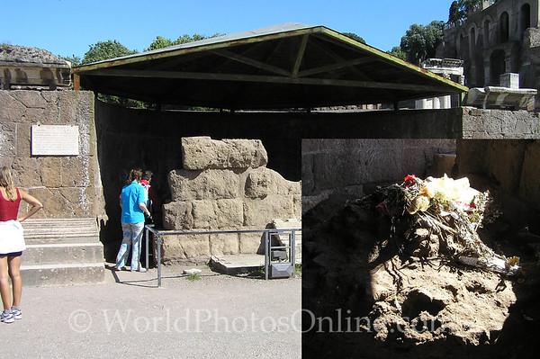 Rome - Forum - Shrine of Julius Ceasar S