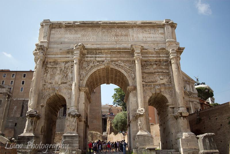 "Arco di Settimio Severo, <a target=""NEWWIN"" href=""http://en.wikipedia.org/wiki/Roman_forum"">Roman Forum</a>, Roma"