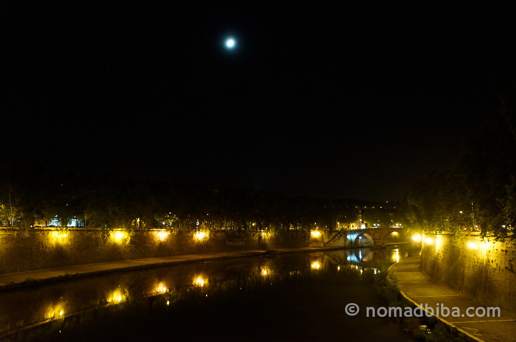 Midnight view of the Tiber