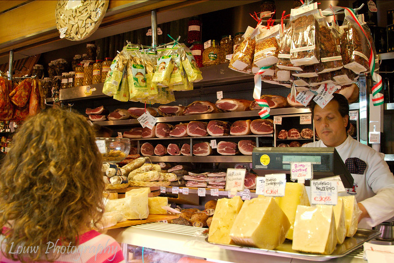 "<a target=""NEWWIN"" href=""http://www.volpetti.com"">Volpetti</a> gourmet deli, Roma"