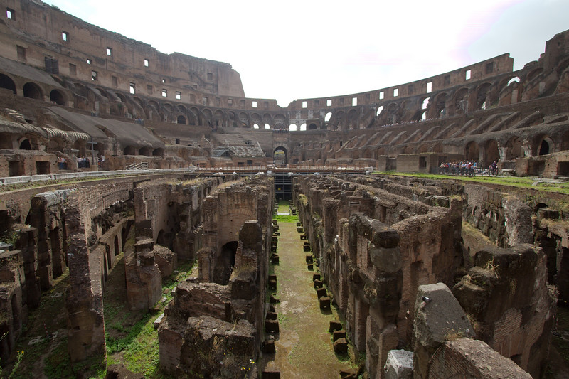 "Interior of the <a target=""NEWWIN"" href=""http://en.wikipedia.org/wiki/Colosseum"">Colosseum</a>, Roma"