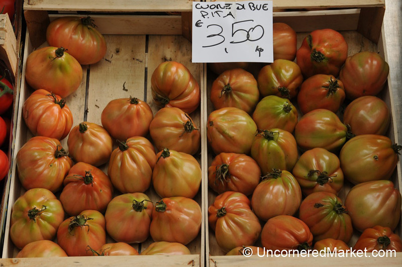 Cuore di Bue Tomatoes - Torrita di Siena, Tuscany
