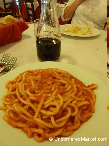 Pici all'aglione - Pitigliano, Italy