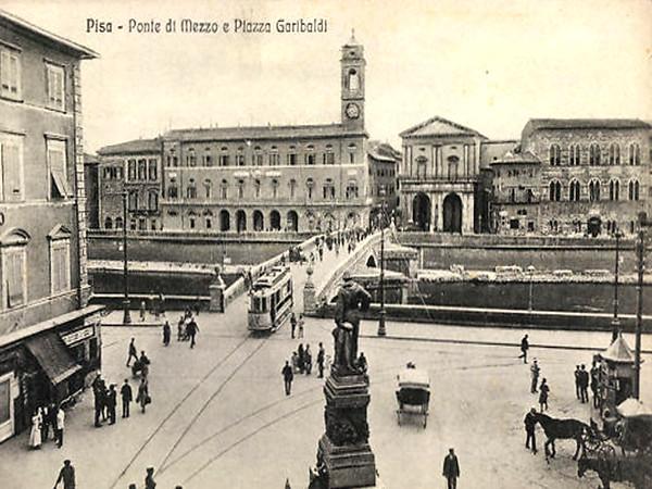 Ponte di Mezo e Piazza Garibaldi