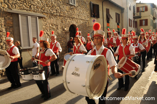Here Comes the Band! Cinigiano, Italy